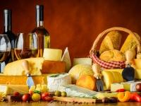 En apéritif, trouvez le bon accord entre vin, pain et fromage