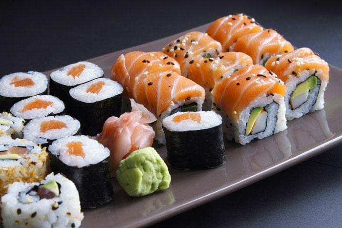 le mat riel n cessaire pour r aliser vos sushis maison. Black Bedroom Furniture Sets. Home Design Ideas